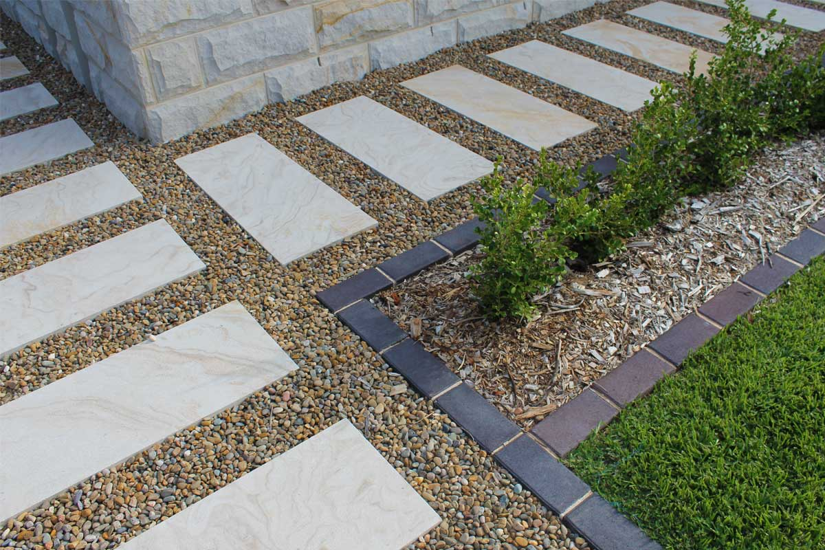 Landscaping Emu Plains Paved Pebble Garden
